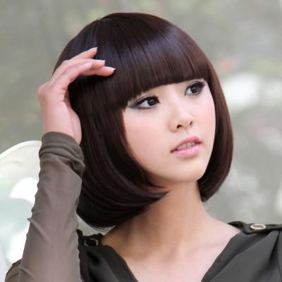 齐刘海沙宣女生烫发型图片