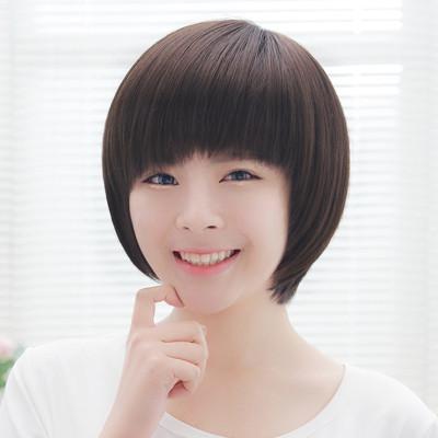 真人发甜美可爱不规则女士短发型